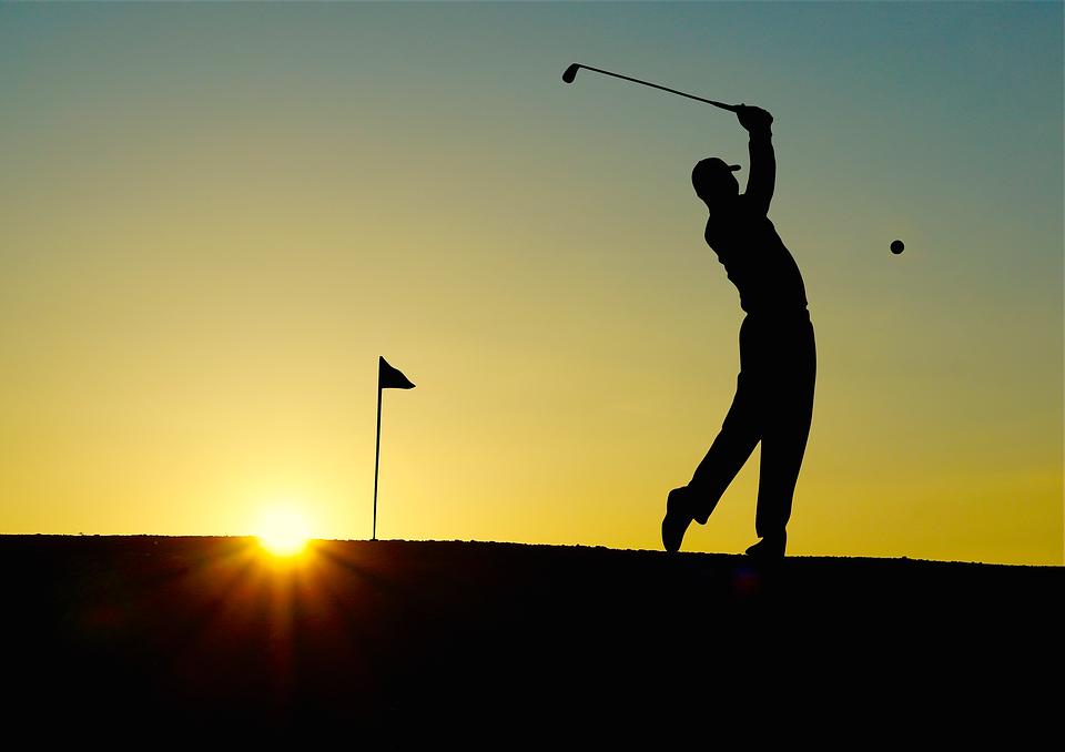 golf tramonto protesi