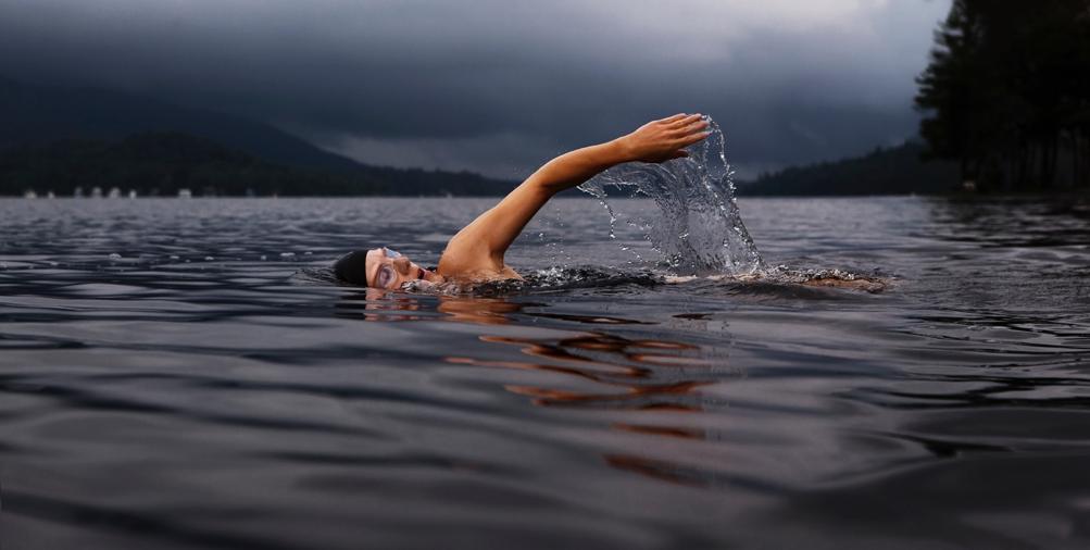 nuoto aperto lago